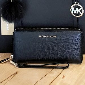 NWT Michael Kors Continental Wallet